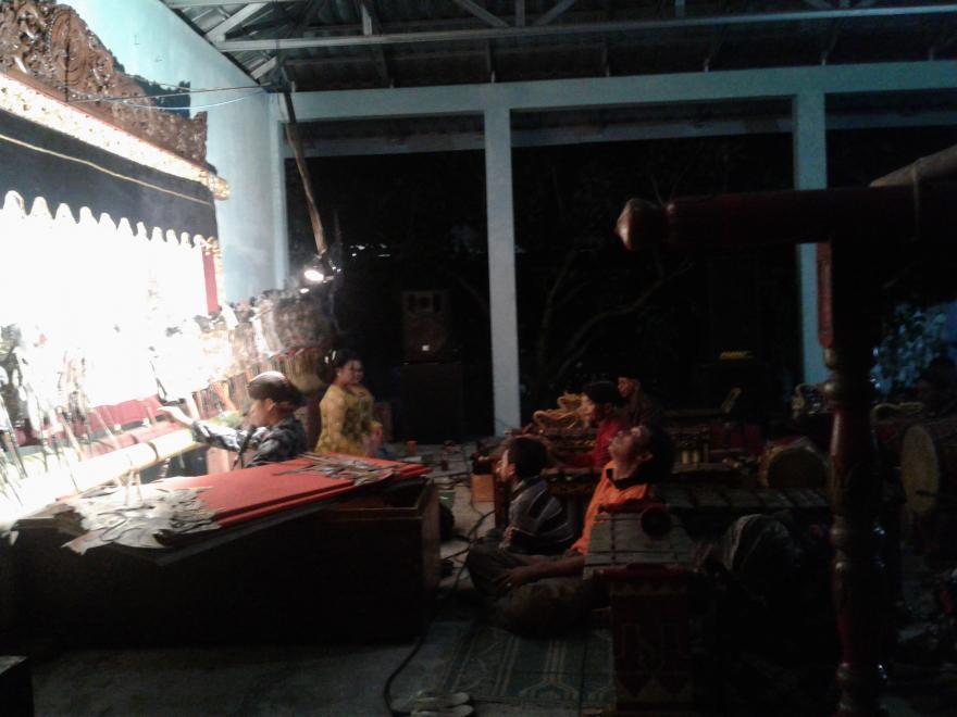 Image : Pentas Wayang Kulit Bersama Ki Budi Widodo Dalang Dari Desa Dukun